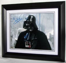 "DP2EBF DAVE PROWSE - ""DARTH VADER"" SIGNED"